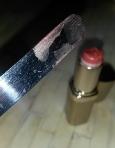 how much lipstick is left